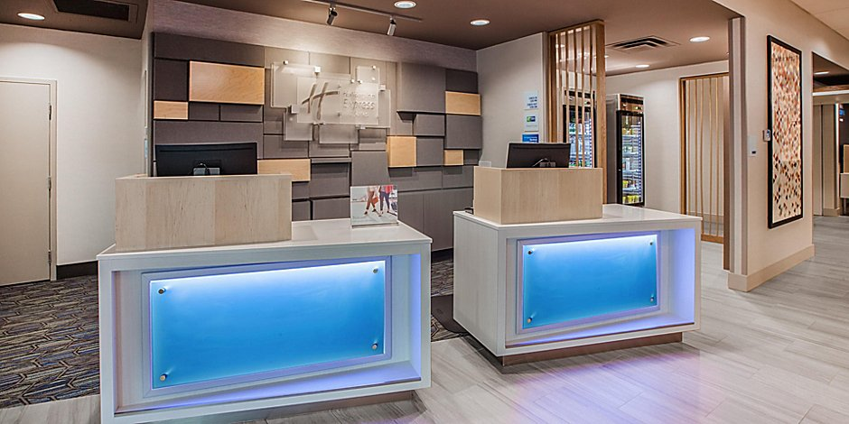 holiday-inn-express-and-suites-yorkville-6042351341-2x1