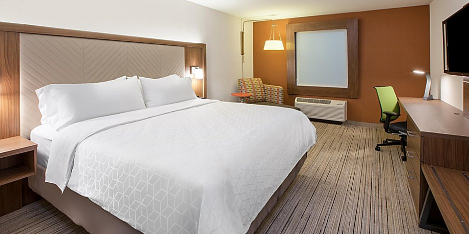 holiday-inn-express-and-suites-yorkville-6042352241-2x1