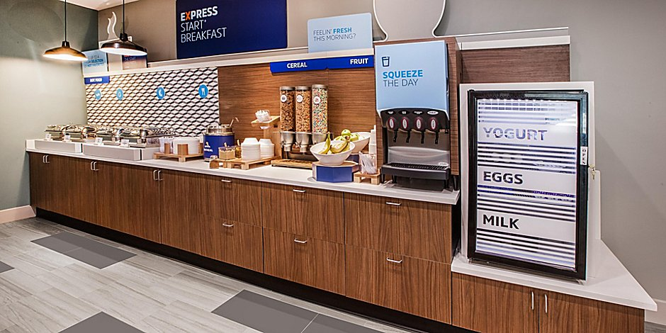 holiday-inn-express-and-suites-yorkville-6042353127-2x1